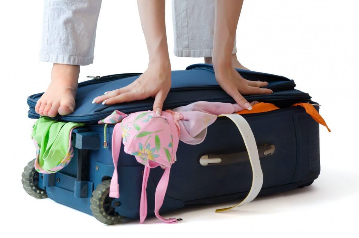 Укладка вещей в чемодан