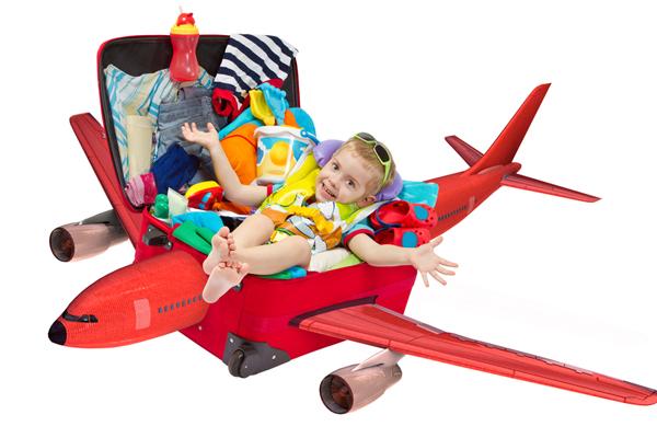 Сбор чемодана в самолет для ребенка