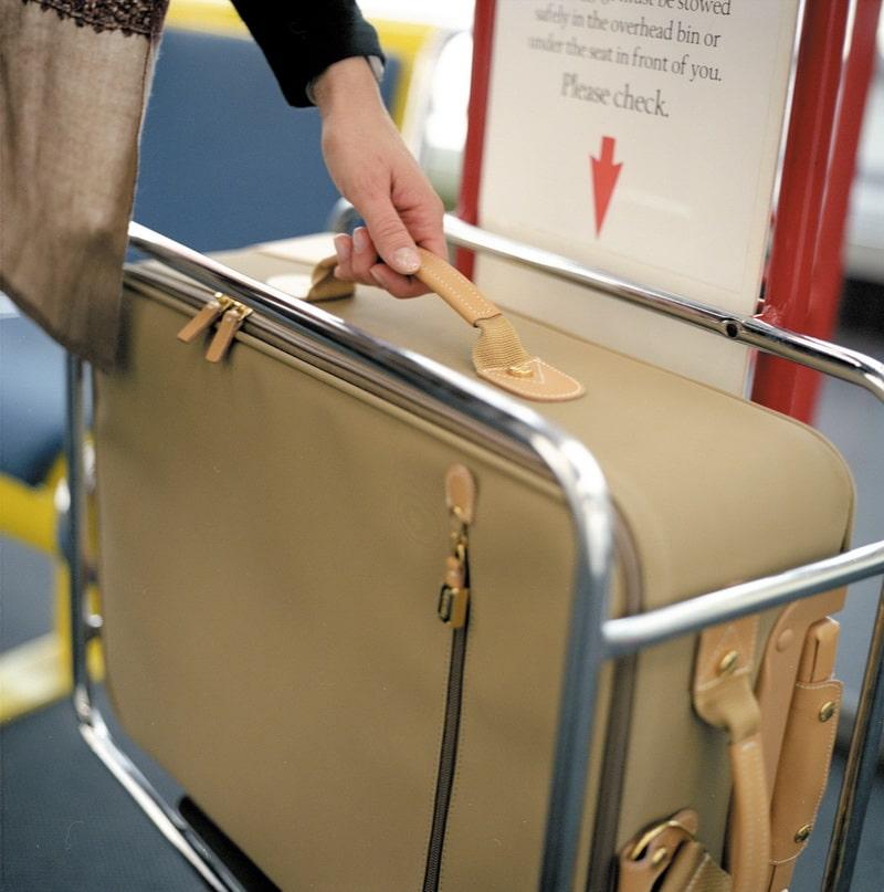 Проверка размера багажа на рамке