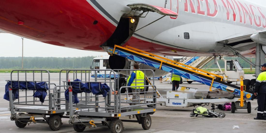 Укладка багажа в самолет